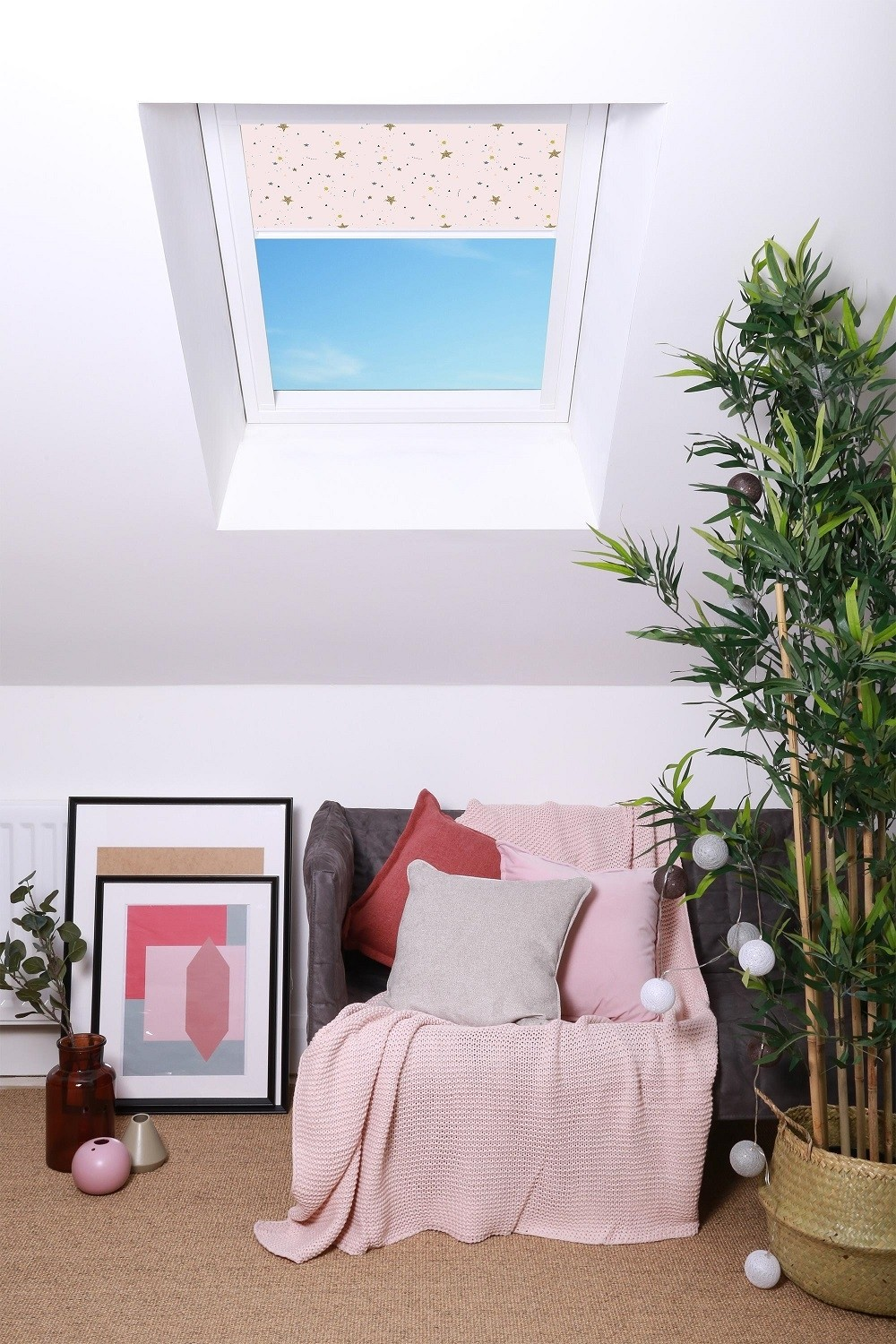 VALE for ROOFLITE Childrens Blackout Blind